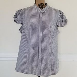 Worthington Stretch fun fitted striped blouse EUC